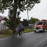 Rajd zamyka wóz Ochotniczej Straży Pożarnaej